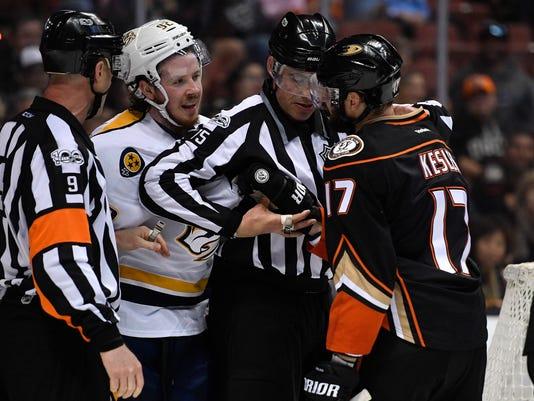 NAS-Predators vs Ducks game 1-027