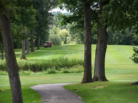 The Gates at Blackberry Ridge would be 22 smaller lots, all under 1 acre. Fourteen of those lots would border Blackberry Ridge Golf Club.