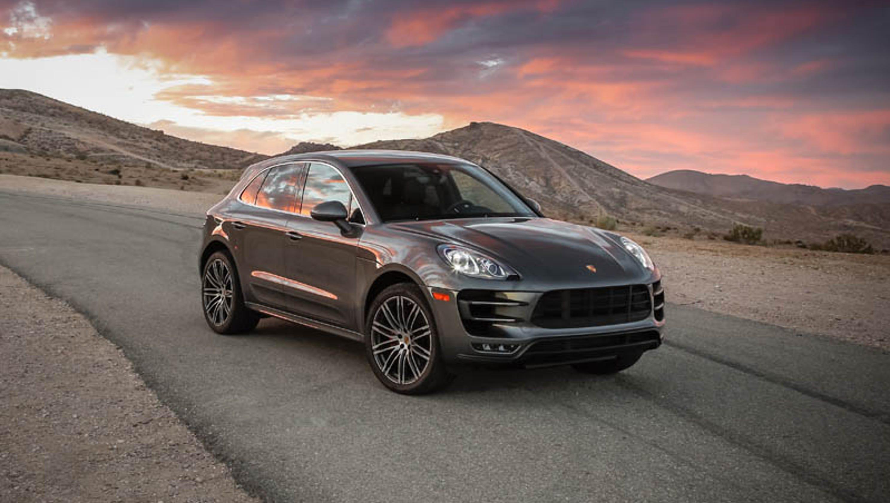 Photos 2015 Porsche Macan Turbo