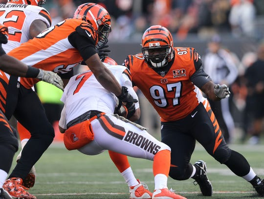 Cincinnati Bengals defensive end Carlos Dunlap (96)