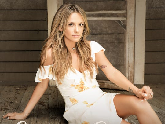 "Carly Pearce ""Every Little Thing"""
