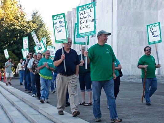 SAL0623-AFSCME protest.jpg