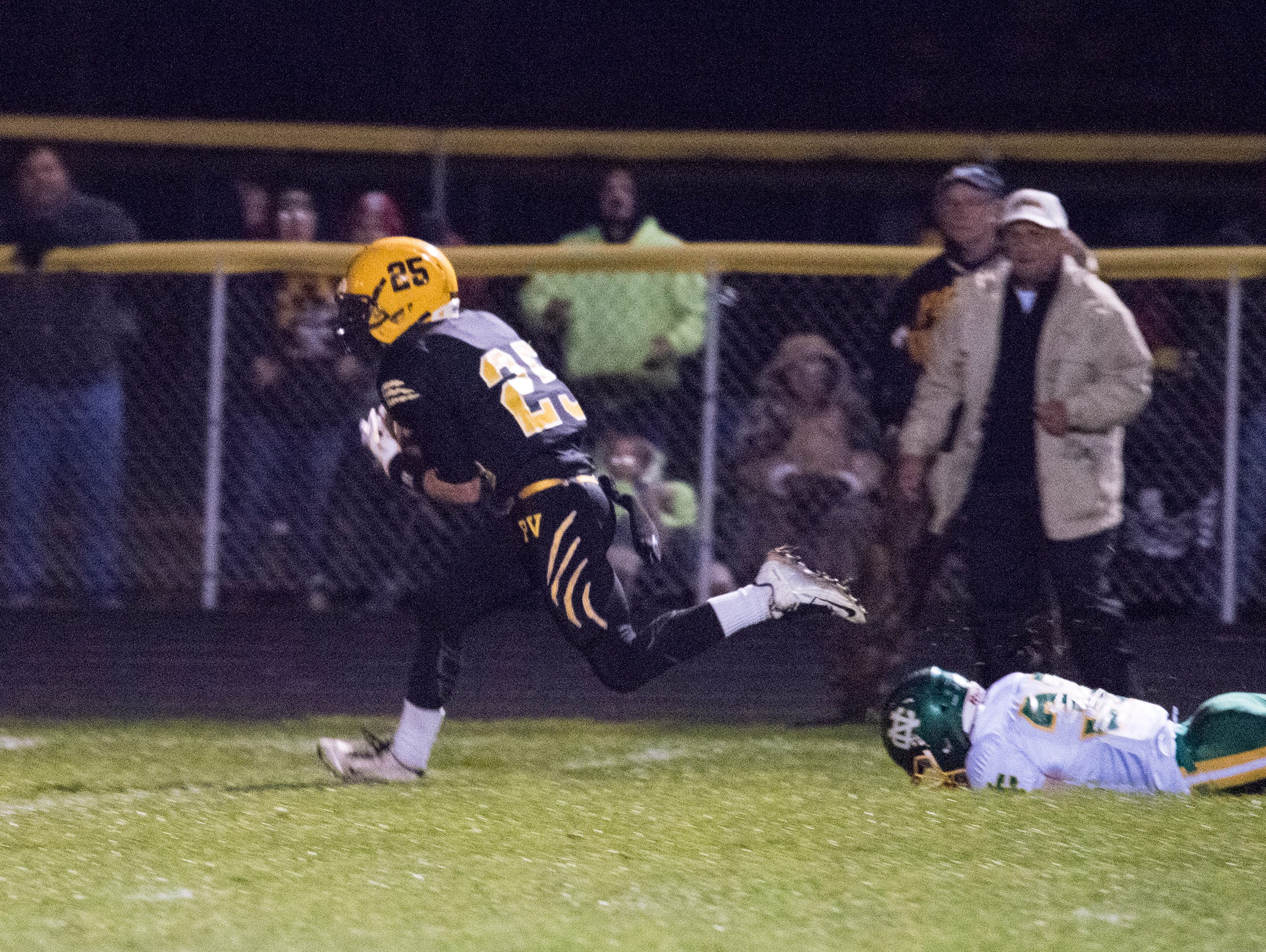 Paint Valley senior Tony Hatfield runs the ball in for a touchdown after making a catch during the second quarter Saturday evening.