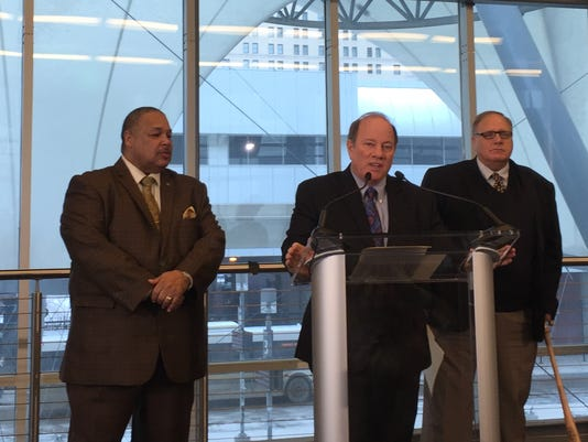 Detroit Mayor Mike Duggan touts new DDOT routes