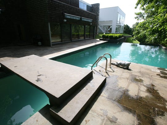 The infinity pool at one of the homes on the annual Castles of New Castle tour.