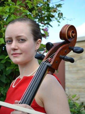 Elizabeth Lyon performs Sunday at Barnes Hall.
