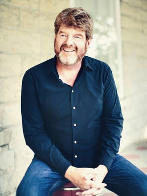 Mac McAnally has enjoyed staying mostly behind the scenes with his career.