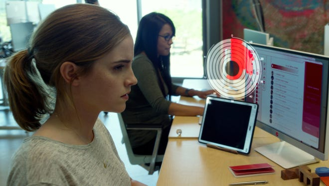 87597rcr Emma Watson stars in EuropaCorp's THE CIRCLE.© 2016 EuropaCorp Ð See Change Productions, LLC.  All Rights ReservedPhoto Credit: EuropaCorp