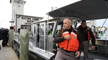 Macomb Co.'s new recovery dive boat makes its splash