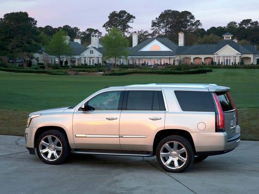 635895911482719809-2016-Cadillac-Escalade-004.jpg