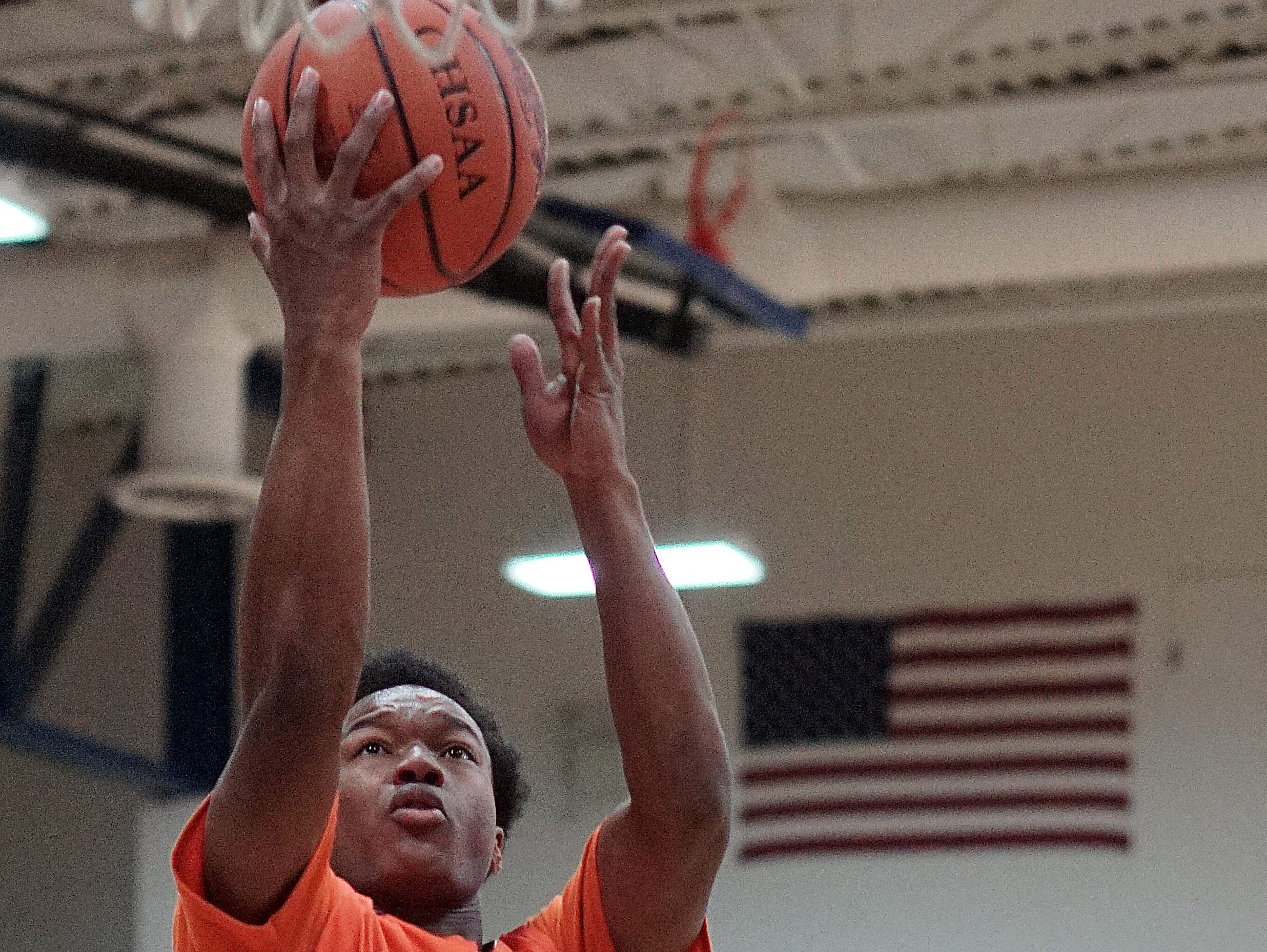 Mansfield Senior's Antonio Weatherspoon goes for a layup during their game Friday night against Ontario.