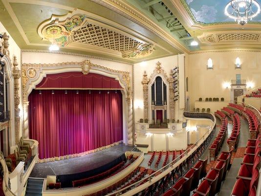 636060075094120693-saenger-theater.jpg