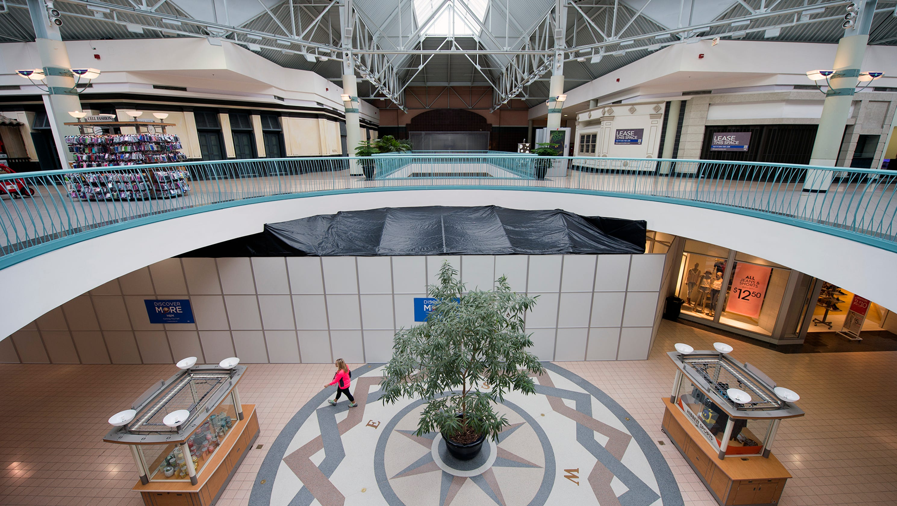 York Galleria Mall visitors under 18 are required to be accompanied by a parent or guardian 21 years or older on Friday and Saturday evenings after 6pm. Security will .