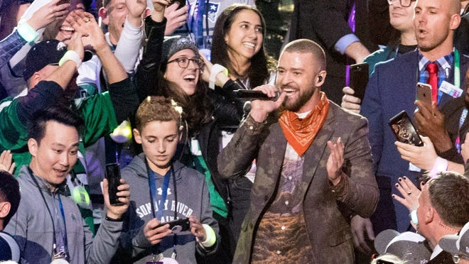MINNEAPOLIS, MN - FEBRUARY 04:  Recording artist Justin Timberlake performs onstage during the Pepsi Super Bowl LII Halftime Show at U.S. Bank Stadium on February 4, 2018 in Minneapolis, Minnesota.  (Photo by Christopher Polk/Getty Images) ORG XMIT: 775109419 ORIG FILE ID: 914370400