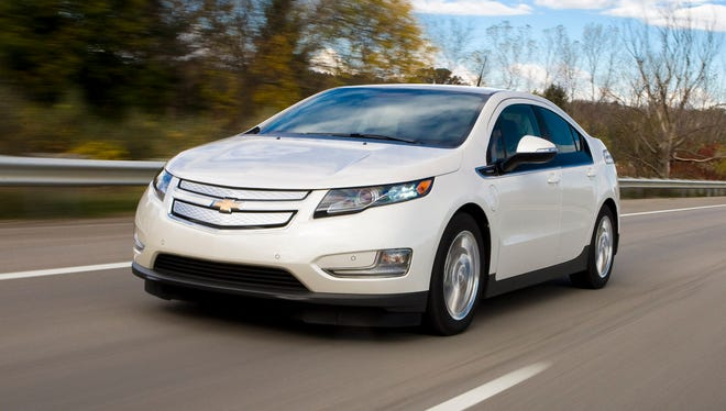 As GM workers prepare to launch the 2016 Chevrolet Volt, there's an ample supply of 2015 models that are priced to go.