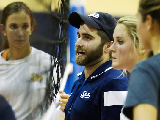 -SFCA Volleyball Coach.jpg_20140815.jpg