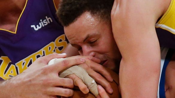 Stephen Curry's alarmingly long list of injuries this season