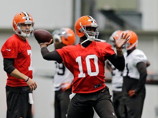 Browns Quarterbacks Football