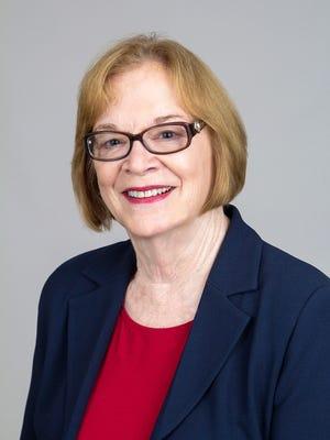 Fort Pierce Mayor Linda Hudson has received the IRSC Distinguished Alumni Award.