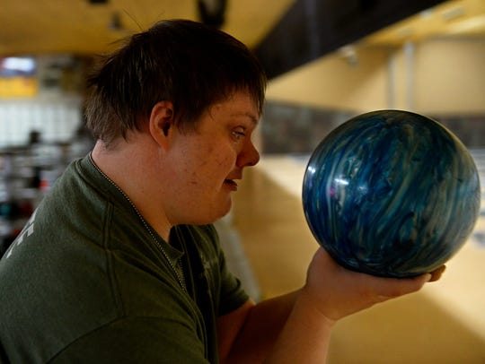 A.J. McKamey of the Eagle Mount High Roller Bowlers