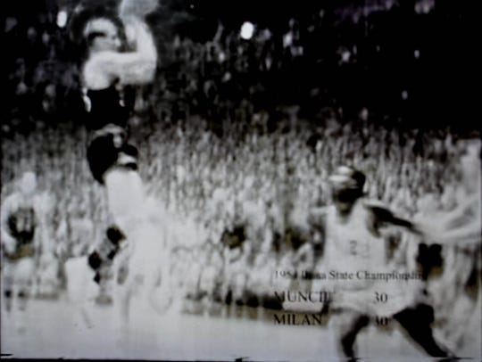 Here is a blurry image of Plump's shot frozen from