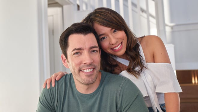Drew Scott and fiancee Linda Phan get personal with viewers on 'Property Brothers at Home: Drew's Honeymoon House.'