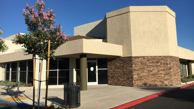 Black Bear Diner, a Redding-based restaurant chain, plans to open in a portion of the recently remodeled former Acapulco Mexican Restaurant space in Simi Valley's Mountain Gate Plaza shopping center.
