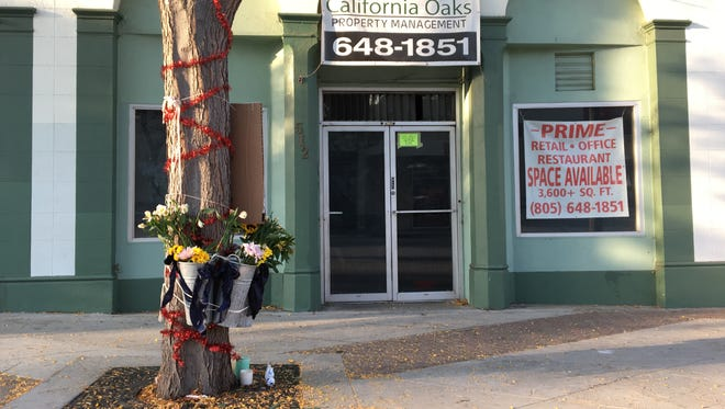 "A memorial for Tipps Thai Cuisine owner Chingchai ""Chang"" Liampetchakul is seen outside the former restaurant space in downtown Ventura. Liampetchakul died Aug. 1 of esophageal cancer."