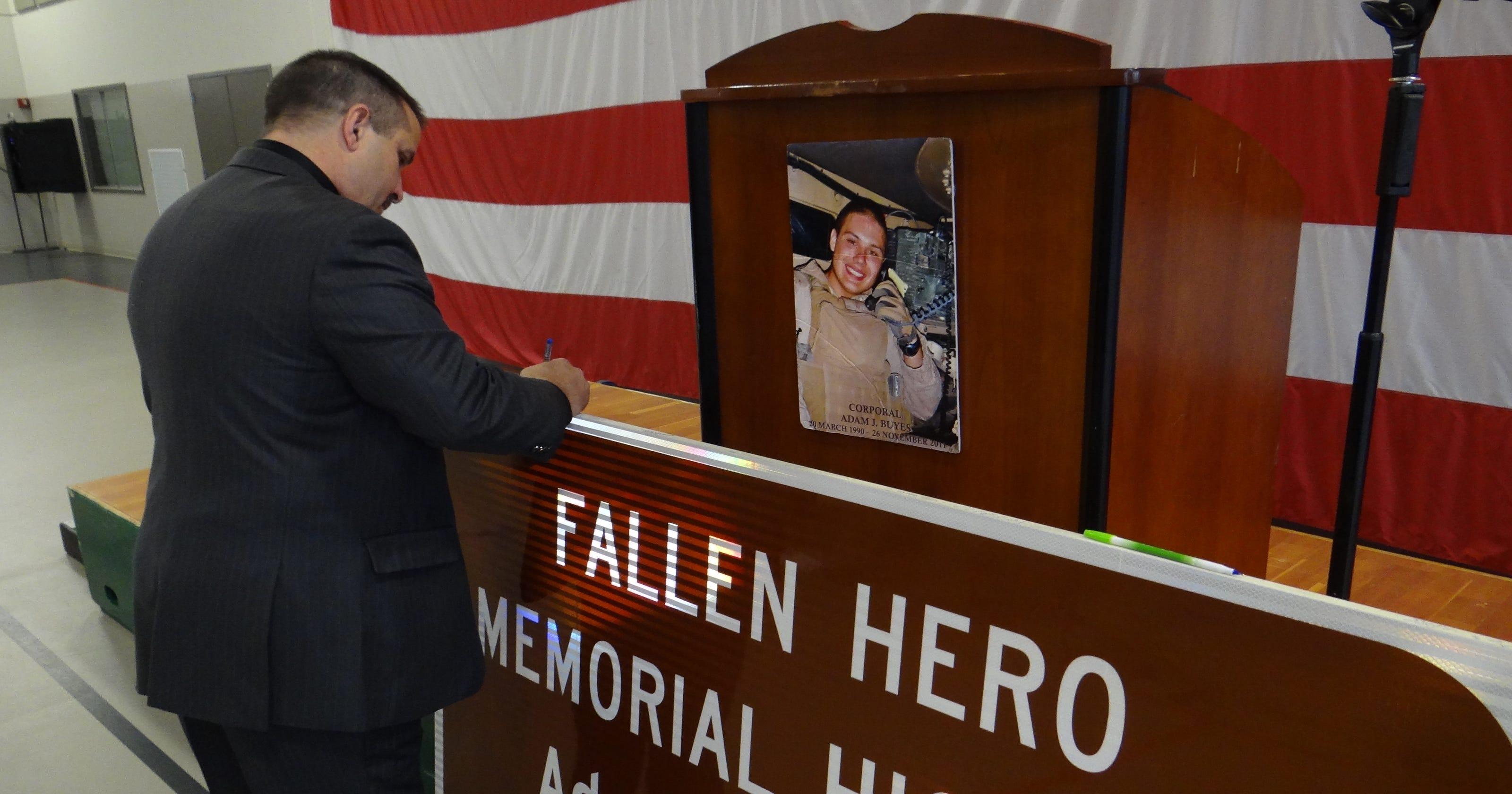 Highway sign honors fallen Marine from Salem