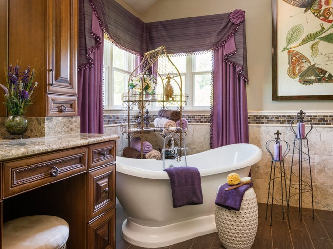 This Freehold Township home was staged by home staging expert and interior designer Sandy Levin. It was not staged for sale.