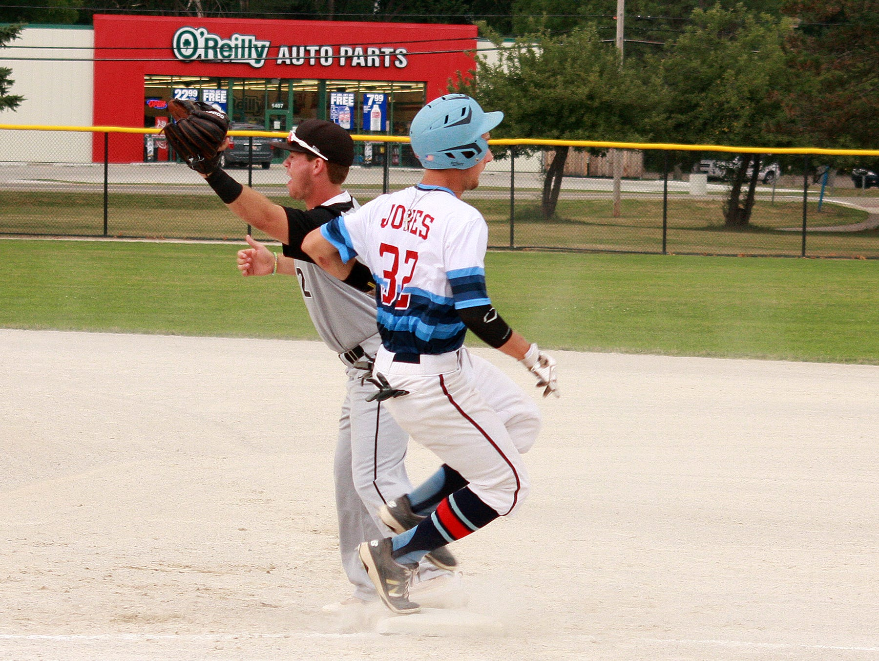 Nick Jones, of Lakeview, plays for Midwest Athletics at the Connie Mack Regional at Bailey Park on Thursday.