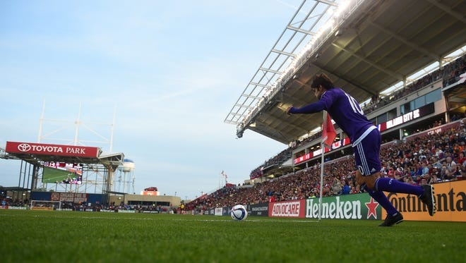 Orlando City FC midfielder Kaka kicks a corner kick against the Chicago Fire at Toyota Park, site of Tuesday's Louisville City FC game.