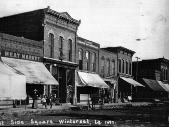 A photo of the Iowa Theater from 1907.