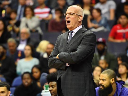 Nov 1, 2017: Phoenix Suns head coach Jay Triano yells