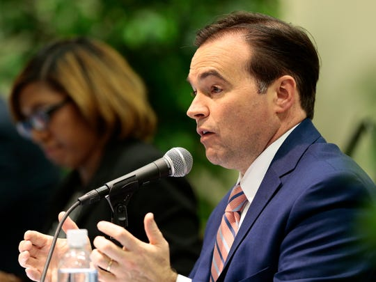 Incumbent mayor John Cranley takes a question during