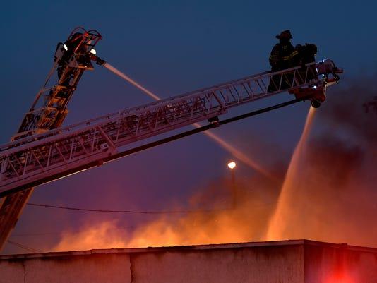 636539716476393435-fire-02.jpg