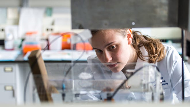 Graduate student Emma Grygotis in the Goergen Hall lab of Diane Dalecki, PhD; a professor of biomedical engineering, and electrical and computer engineering at the University of Rochester on March 31, 2016. Grygotis, a graduate student in pharmacology and physiology, is studying how the interaction of ultrasound and collagen can be harnessed to fabricate new biomaterials.