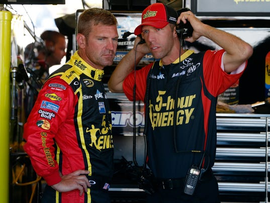 9-11-15-clint bowyer