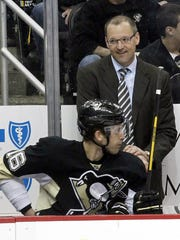 Dan Bylsma reached 250 victories faster than any coach in NHL history.