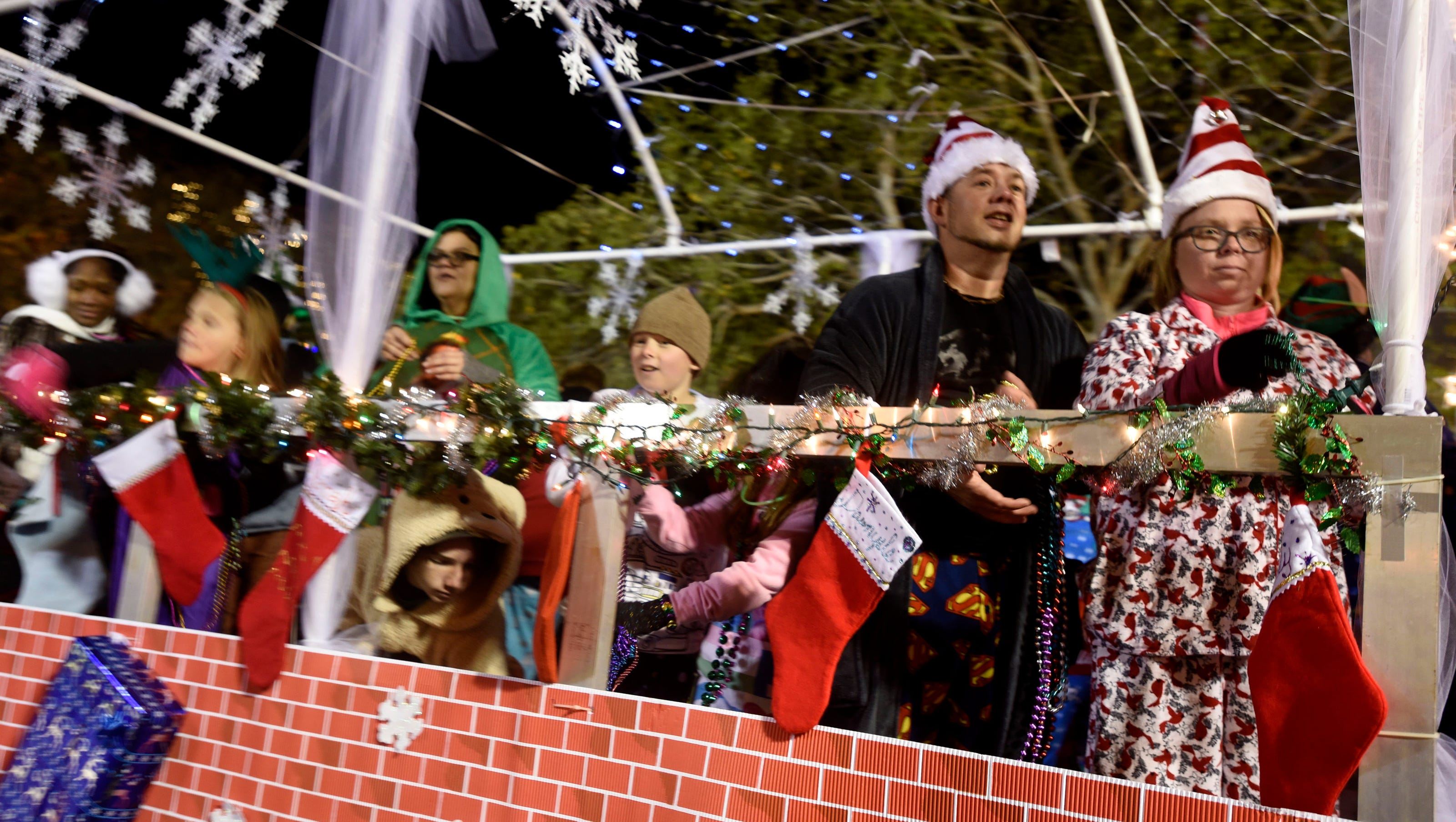 When Is 2021 Pensacola Christmas Parade Update Pensacola Christmas Parade Canceled Because Of Weather