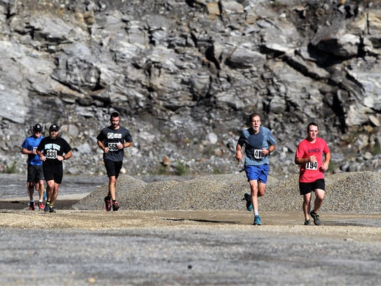 Hundreds of runners showed up to Grove Stone & Sand