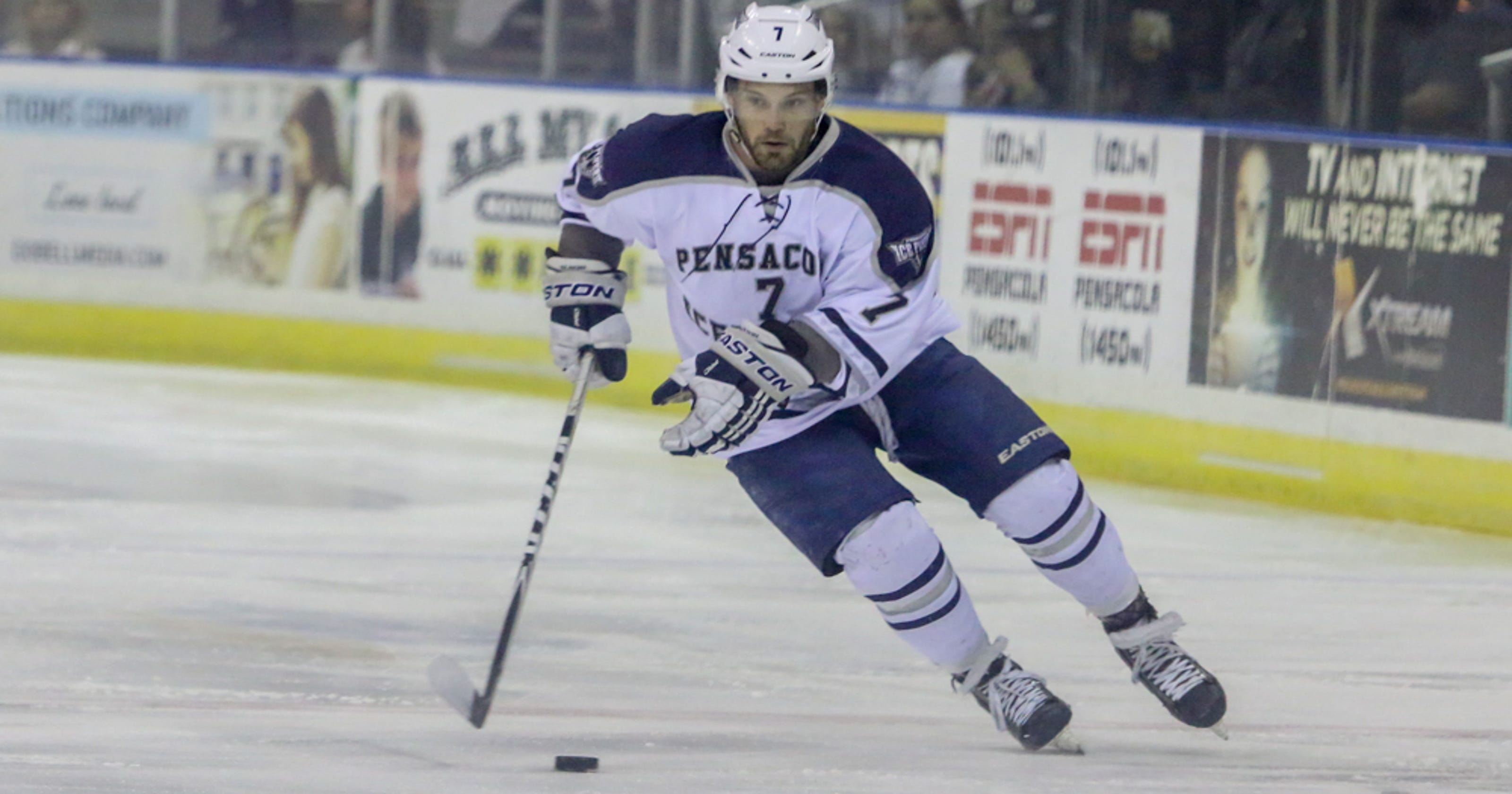 Cousineau re-signs with Ice Flyers 7566c9e05