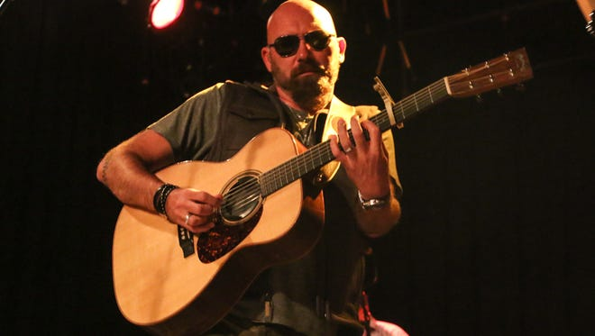 Country music favorite Corey Smith returns to Vinyl Music Hall on Thursday.