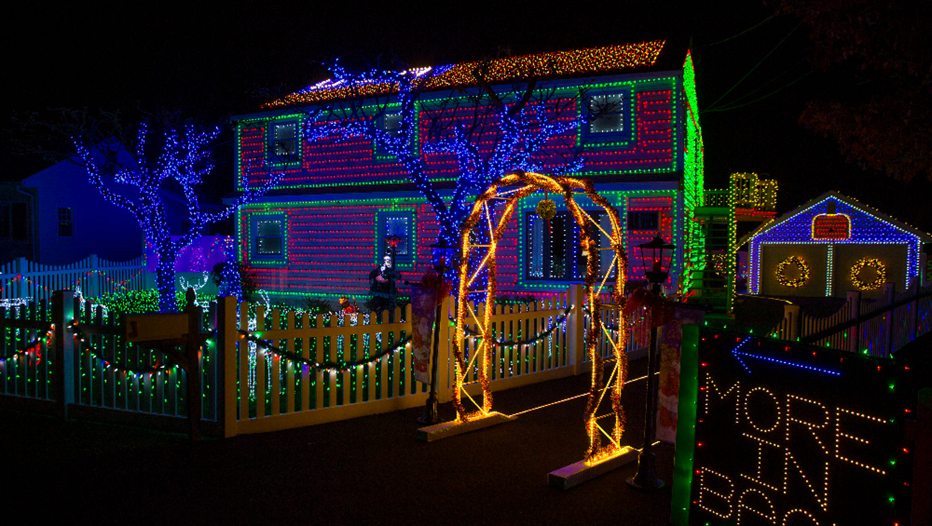 Tour over the top holiday light displays from Dutchess to the Bronx