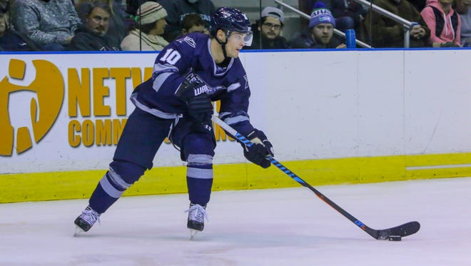 The Ice Flyers Garrett Milan gave the Ice Flyers a 2-0 lead early Friday in road game at Roanoke, but the Ice Flyers fell 5-4 in an overtime shootout against the Roanoke Rail Yard Dawgs.