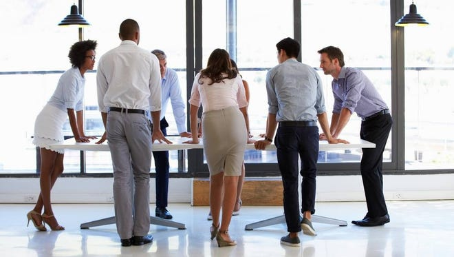A Mayo Clinic has found that standing instead of sitting helps lose weight.