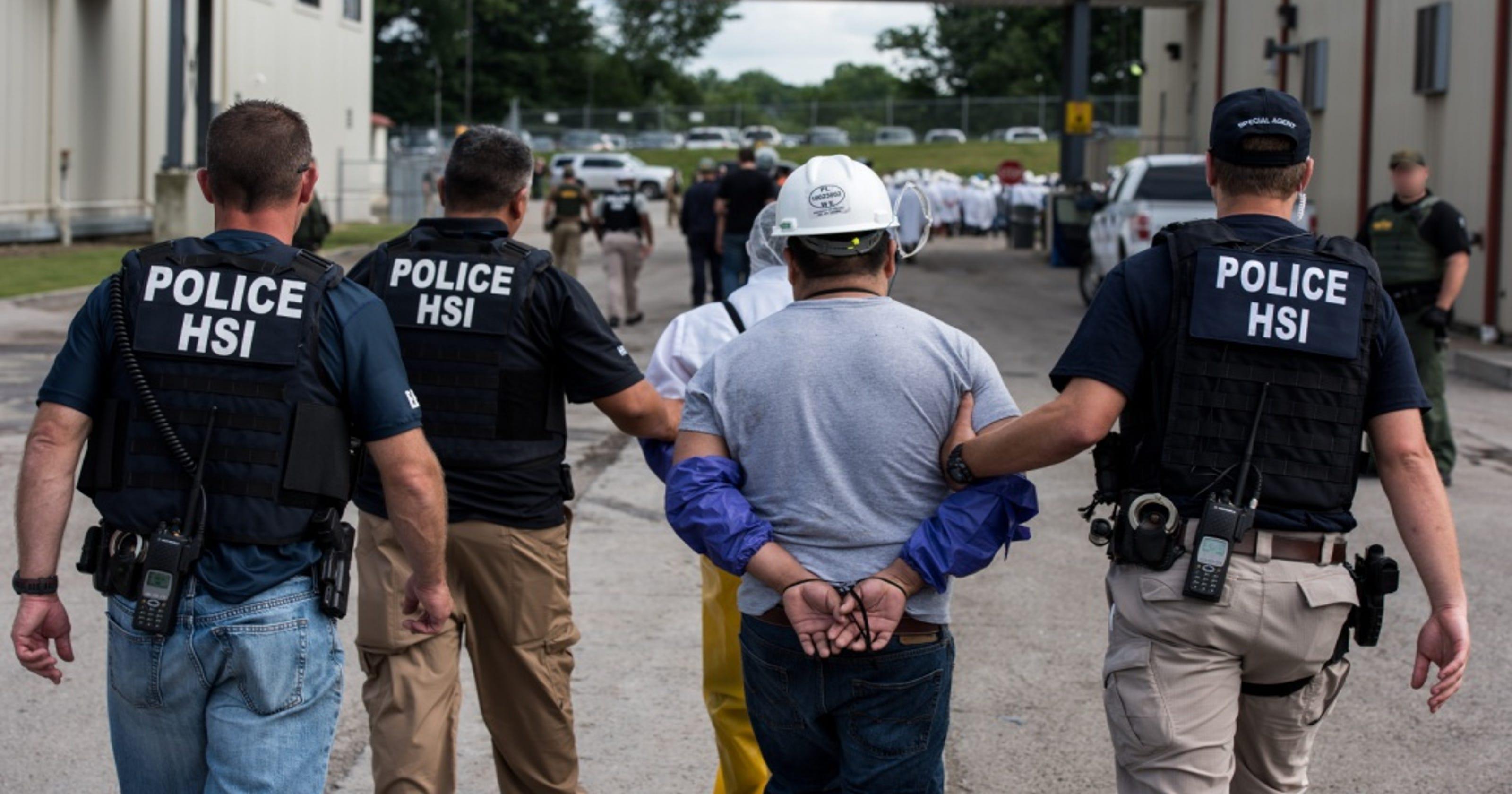 immigration agents arrest 114 - HD1400×787