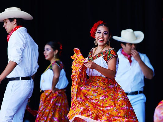 636670909330108596-Hispanic-Group-Dancing-at-Mexican-Fiesta--Photo-Cred-to-Travel-Wisconsin.jpg