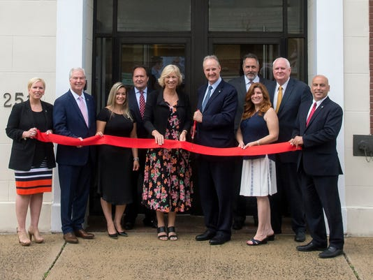 Columbia Bank officially opens branch PHOTO CAPTION