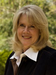 Tipper Gore will receive an honorary doctorate from